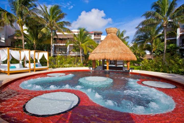 Jacuzzi Hotel Desire Resort and Spa Riviera Maya